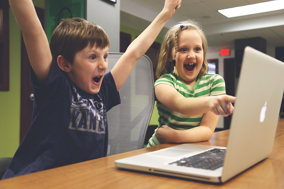 как защитить детей в интернете