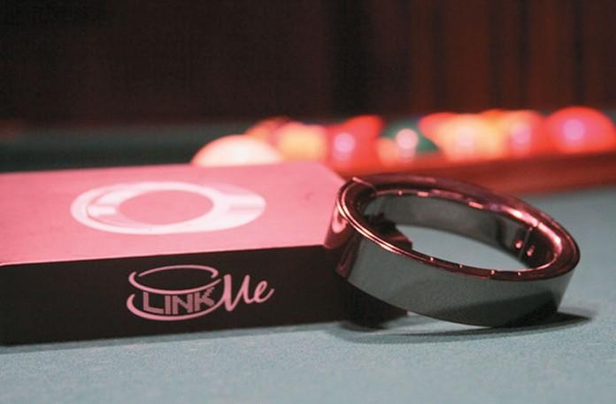 SMS-браслет LinkMe можно купить за $99