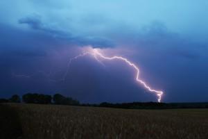 Фотографируем молнию во время грозы