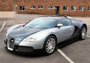 2011_Bugatti_Veyron_01