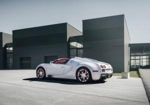 2011_Bugatti_Veyron_02