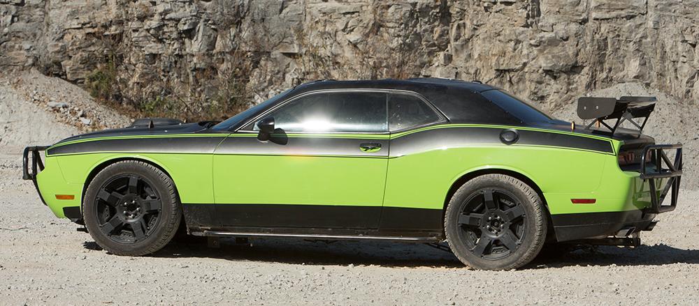 2011_Dodge_Challenger_SRT-8_41