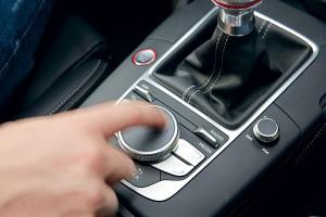 Поворотно-нажимной регулятор Audi S3