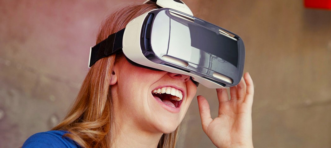 Samsung усовершенствовала очки виртуальной реальности Gear VR
