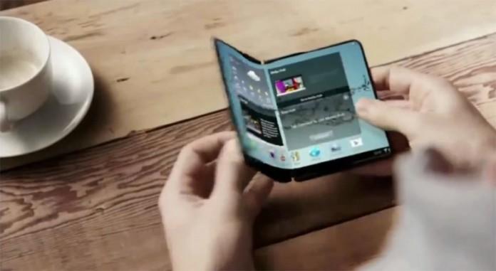 Складные смартфоны могут появиться в следующем году