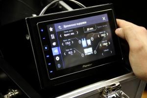 Ресивер SPH-DA120 имеет расширенные настройки звука с учетом временных задержек