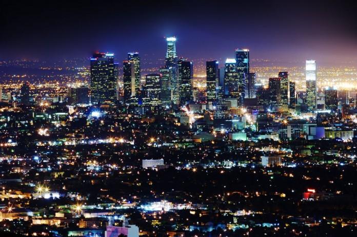 Умные системы уличного освещения появляются в Москве и Лос-Анджелесе