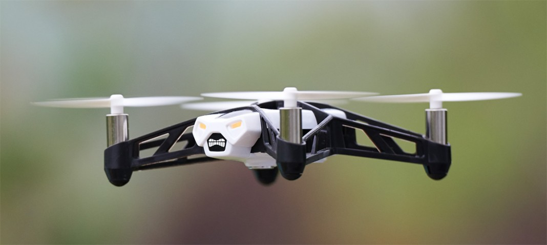 Обзор летающего дрона Parrot Rolling Spider