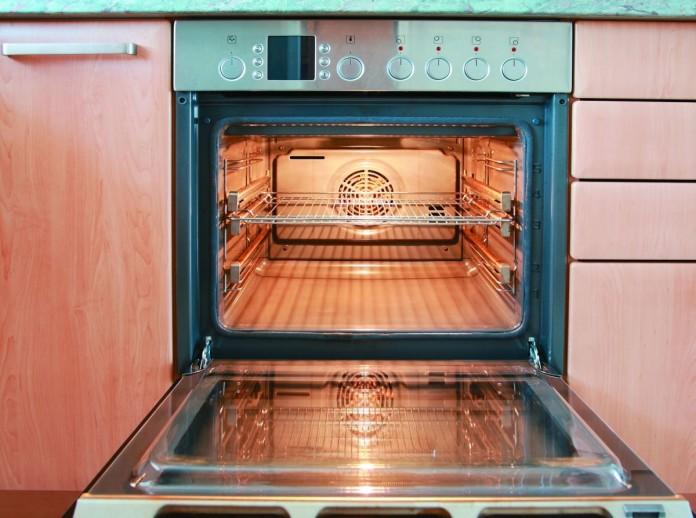 Прогреваем сломанную флешку в духовке