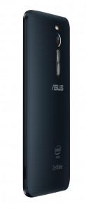 Смартфон Zenfone 2 нельзя назвать тонким — максимальная толщина корпуса составляет около 11 мм. Задняя крышка имеет разную текстуру в зависимости от модели.