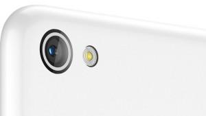 lenovo-smartphone-s60-white-back-zoom-12