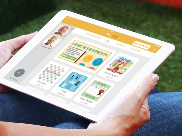 panasonic-hometeam-app-allows-family-members-to-stay-connected-using-books-and-games
