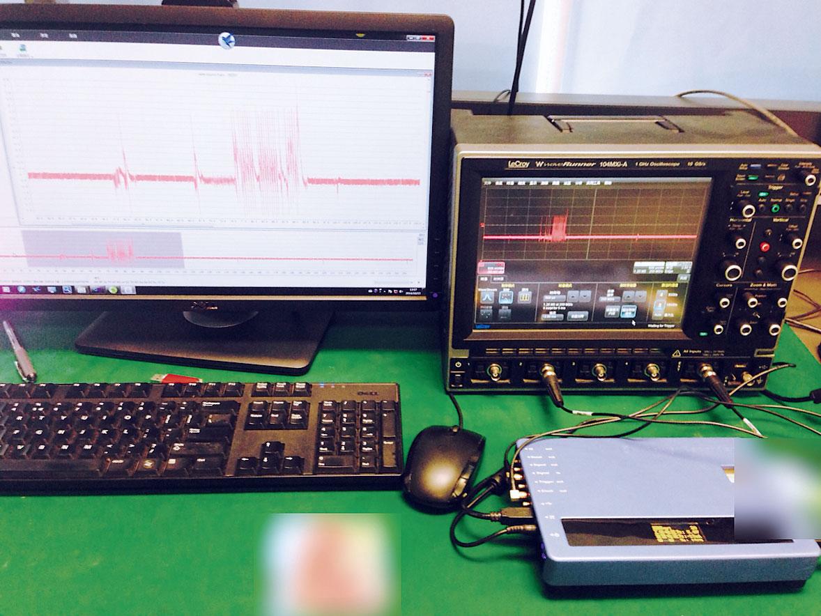 Исследователь из Шанхая с помощью осциллоскопа считал шифровальный код SIM-карт, который ранее считался неуязвимым. Далее сих помощью он взломал пароли двухфакторной аутентификации.