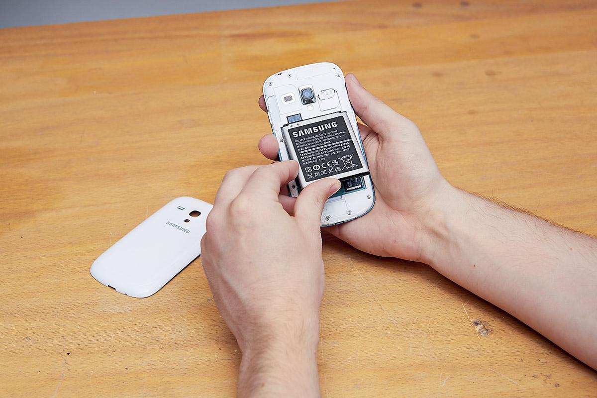 Вызывая специальный API через HTML 5, можно считывать данные об аккумуляторах смартфонов и прочих устройств. Так производится точная идентификация пользователей.