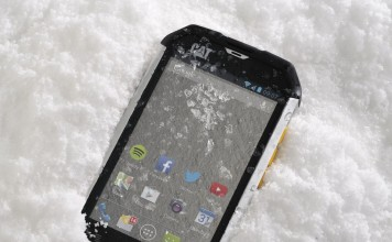 winter smartphone