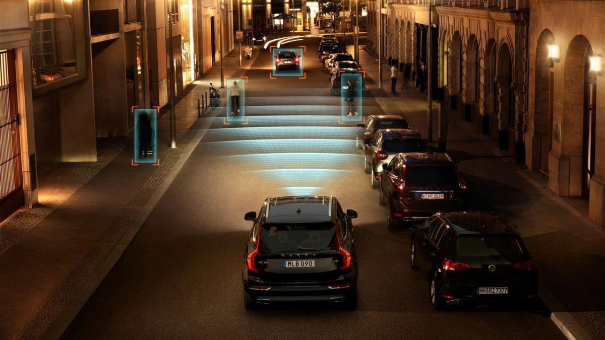 City Safety: комплекс мер безопасности, позволяющих предотвратить наезд на пешеходов и велосипедистов.