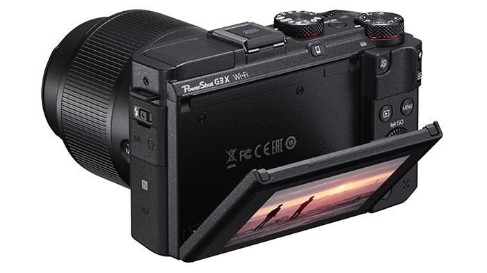 3-дюймовый дисплей камеры Canon отличается не только подвижностью. Он позволяет и вручную настраивать яркость, и экономить ресурсы аккумулятора.