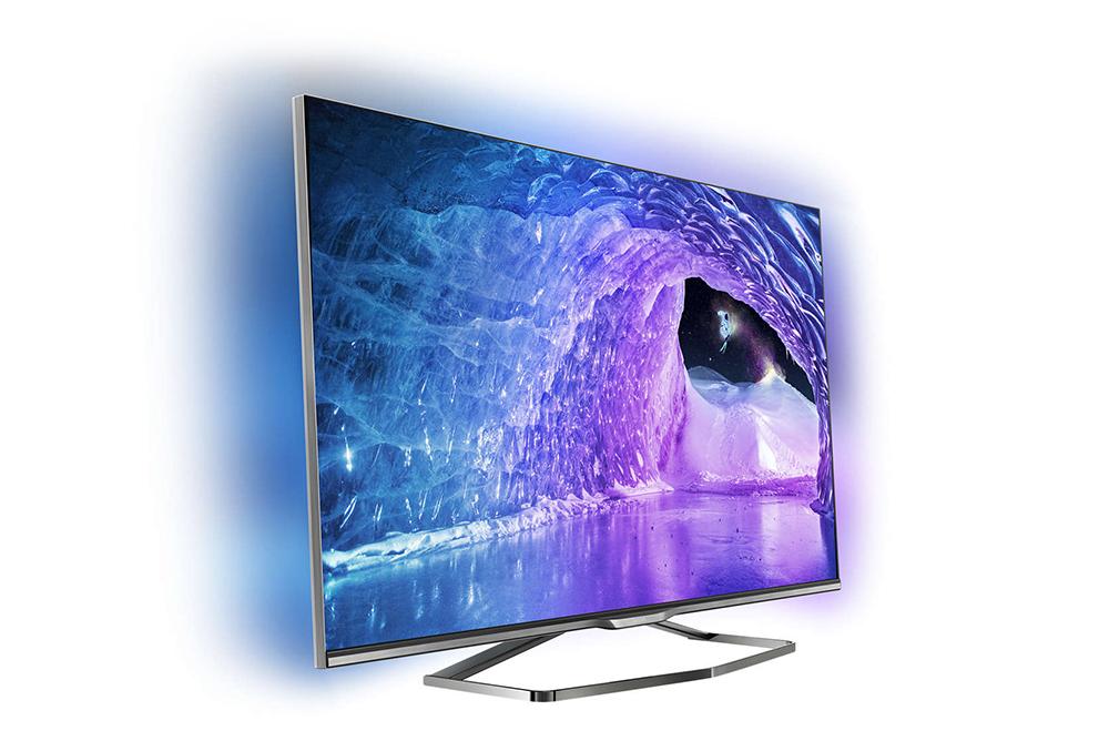 Philips 42PFK7509: функция трехсторонней подсветки Ambilight позволяет изображению буквально выйти за пределы экрана.