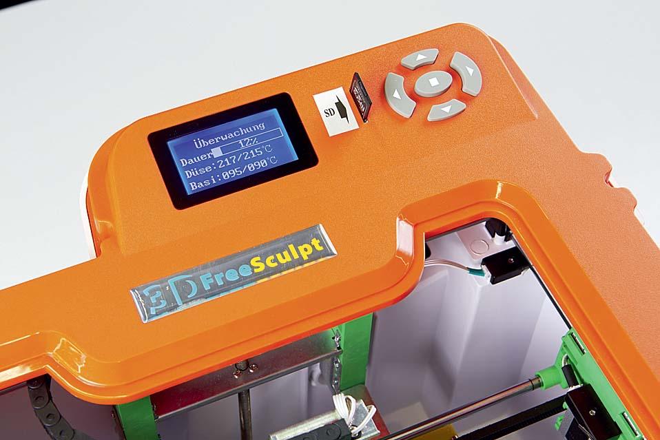 LCD-дисплей, слот для карт SD и пара кнопок — это все, что требуется для управления принтером Pearl