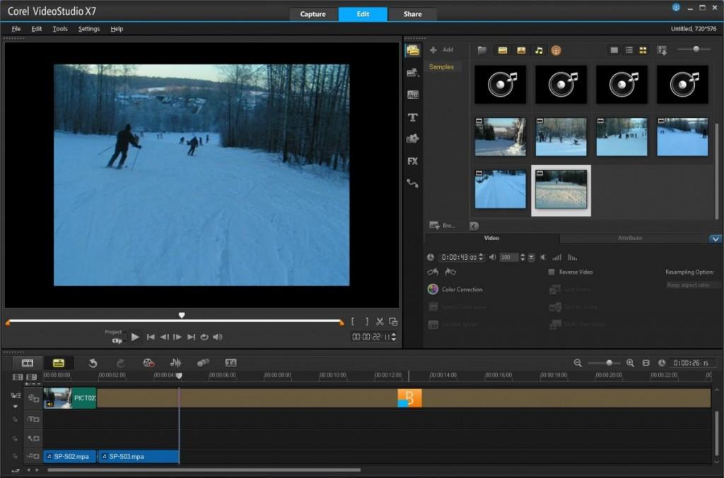 В окне редактора с правой стороны собраны все видеоролики, которые предполагается использовать в проекте, а также звуковые файлы для монтажа аудио-дорожек
