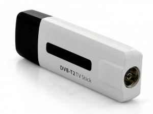 Недорогие USB-адаптеры для приема цифровых каналов мож- но найти не только для ПК ...