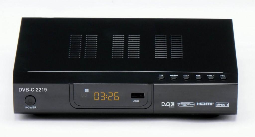 Декодер для кабельного ТВ позволяет также воспроизво- дить видео в формате MP4