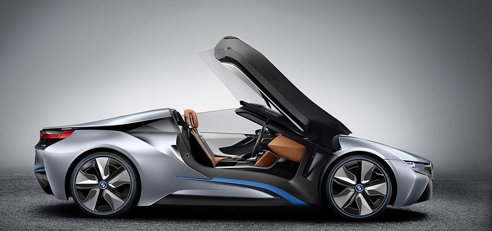 BMW i8 Spyder: новая версия элекрического спорткара