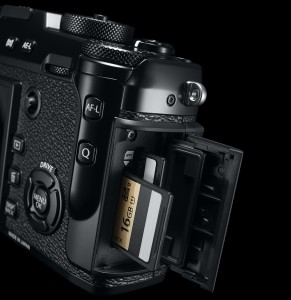 Fujifilm X-Pro2: два слота для карт памяти
