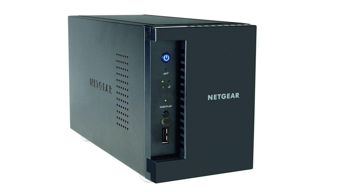 Быстрое сетевое хранилище (NAS) с двумя LAN-портами (здесь: Netgear Ready NAS 212) благодаря использованию SSD-накопителей обеспечивает большую производительность в сети.