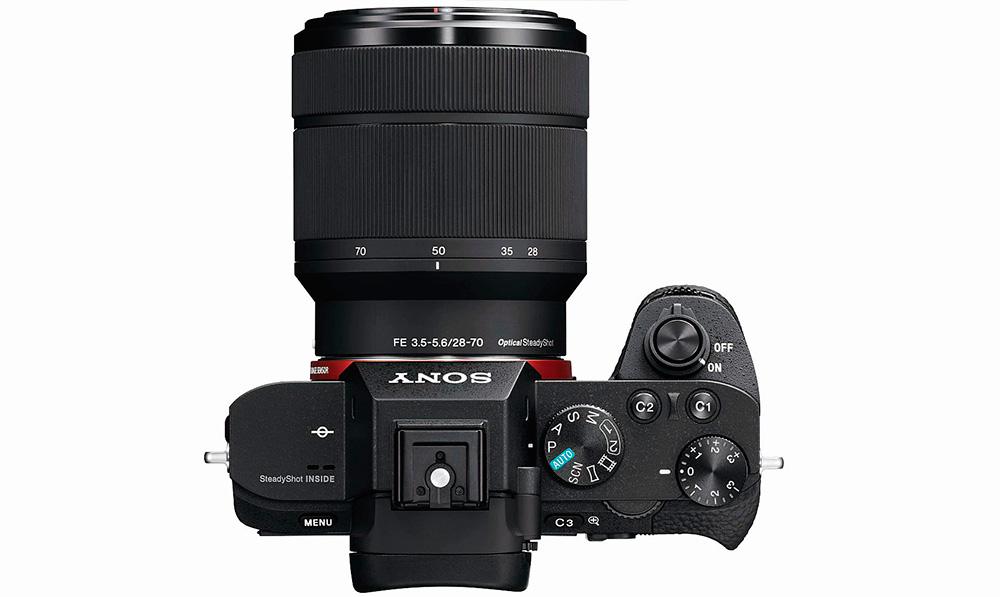 Sony Alpha 7 II: камера оснащена режимами P, S, A, M и десятью сюжетными программами съемки, а также горячим башмаком.