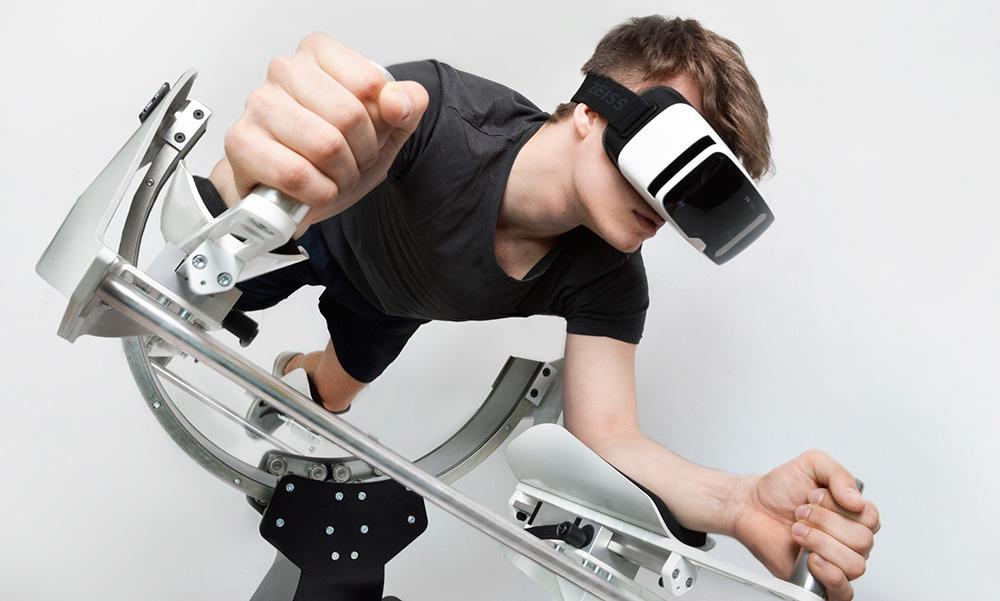 Проект Icarus: Этот VR-комплекс оснащен встроенными контроллерами и дает возможность ощутить себя в образе Железного человека, например.