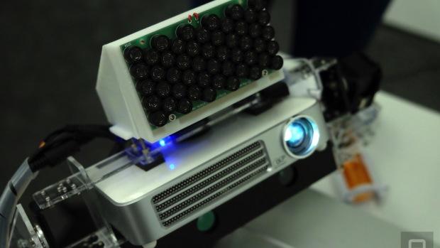 Звуковой проектор Sony проецирует изображение и звук даже на неровные стены. Камера обеспечивает интерактивность