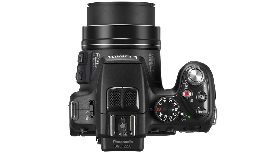 Бридж-камера подходит как для фото-, так и для видеосъемки: кнопки спуска затвора расположены рядом (вверху справа).