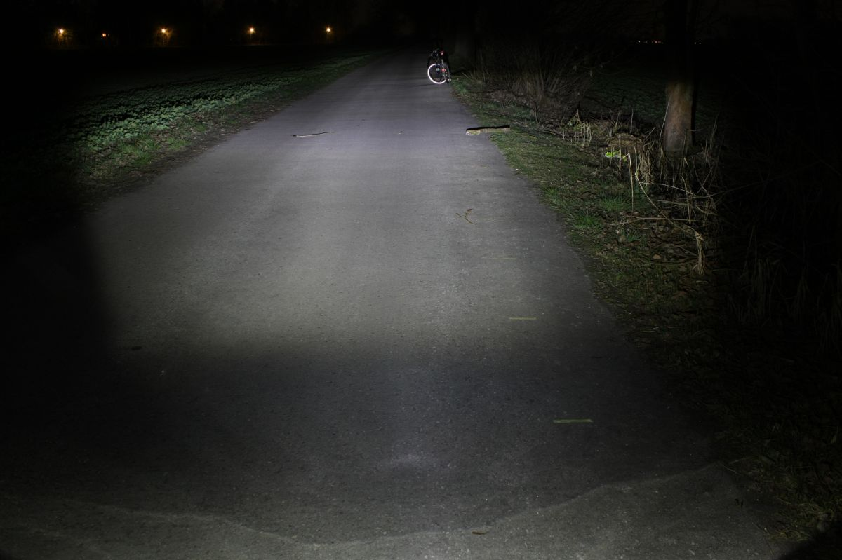 BUSCH & MÜLLER IXON IQ PREMIUM SPEED: тестовый снимок освещенности