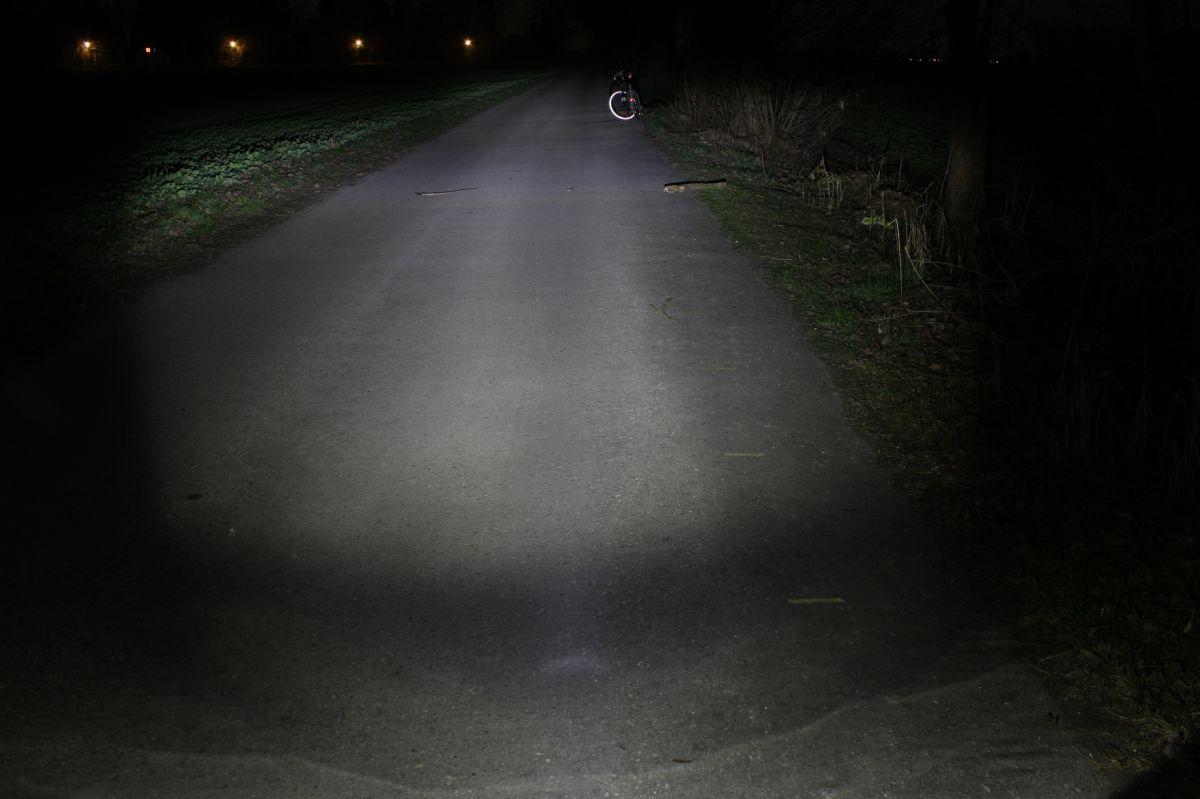 BUSCH & MÜLLER IXON IQ PREMIUM: тестовый снимок освещенности