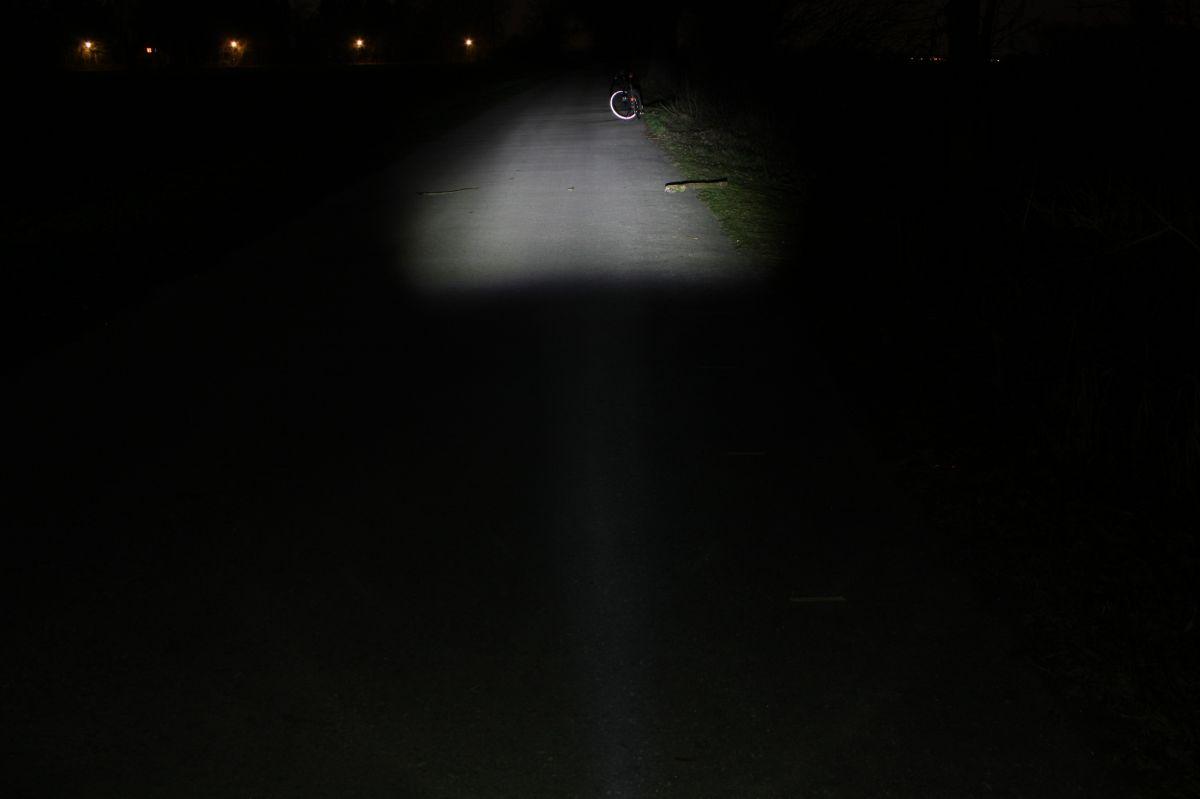 TRELOCK LS 750: тестовый снимок освещенности