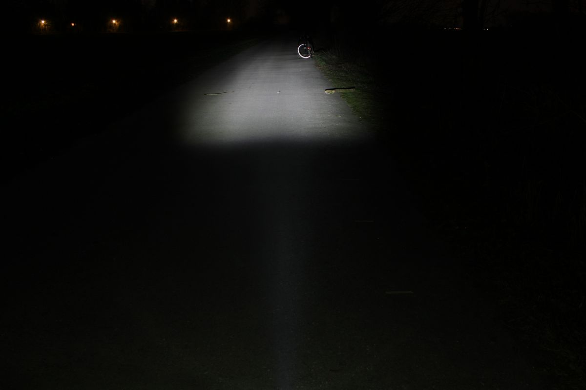 TRELOCK LS 750 ION: тестовый снимок освещенности