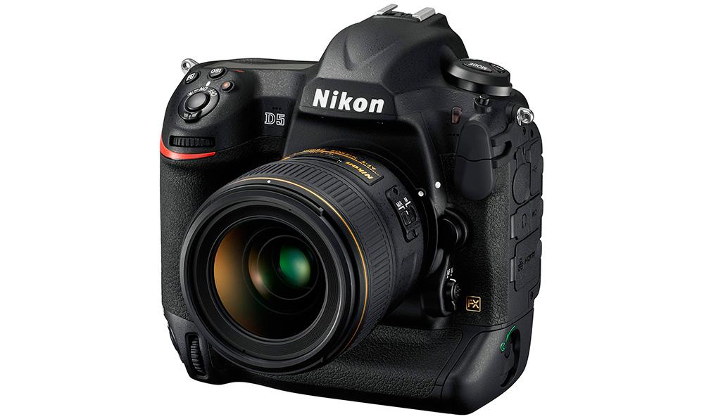 Цифровые камеры 2016 года: С выходом Nikon D5 производитель поднимает класс полноформатных камер на совершенно новый уровень — 14 кадров в секунду, до 200 снимков формата RAW в серии, видео UHD и светочувствительность сенсора до трех миллионов ISO!