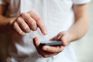 17,9% людей сначала вводят важные даты и сроки в свой мобильный телефон