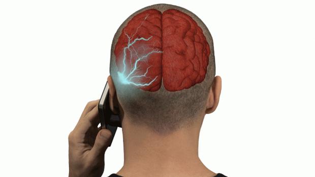 Излучение от мобильного телефона представляет опасность: исследование NTP должно было подтвердить этот тезис. Источник: Mother Jones