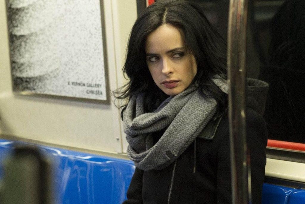Netflix прославляет антигероев: сначала «Сорвиголова», затем странная, но привлекательная «Джессика Джонс». Больше про Адскую кухню увидим в сериалах «Люк Кейдж» и «Каратель».
