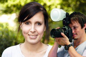 используем вспышку при фотографировании: рассеиватель создает мягкий, однородный свет