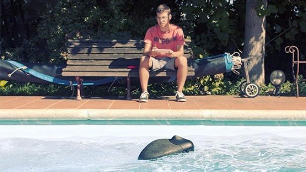 Плавает и снимает: больше не нужно мокнуть — просто запустите дрон в воду. Изображение: Azorean.