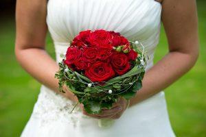 зарабатываем деньги фотографией: свадьбы приносят хорошие деньги, но требования к фотографу и оборудованию довольно высокие. (Фото: T. Probst)