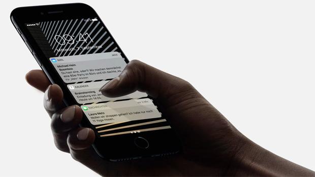 iPhone 7 Plus выпускается с новой сенсорной кнопкой «Домой». Источник: Apple