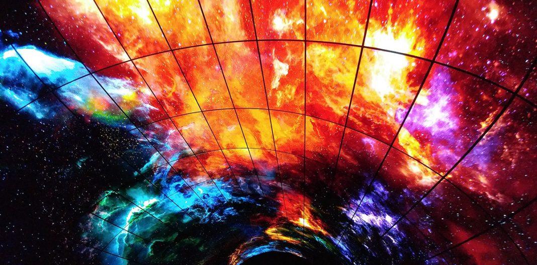 216 дисплеев, 450 миллионов пикселей: этот OLED-тоннель невероятен