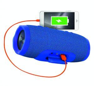 Все больше Bluetooth-динамиков (например, JBL Charge 3) можно использовать для подзарядки аккумуляторов смартфонов.