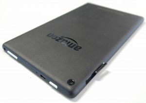 Расширяемая встроенная память: слот для карт памяти работает с форматом microSD