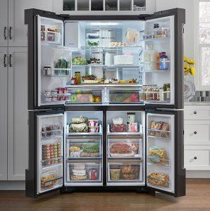 Холодильник типа «Side-by-Side»: внушителен, но покупать его имеет смысл только для семейного использования.