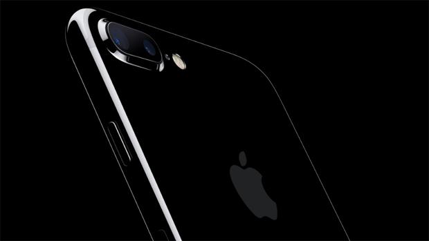 Аккумулятор iPhone 7 Plus: во время теста iPhone продержался дольше S7 Edge – но и времени на зарядку он требует значительно больше